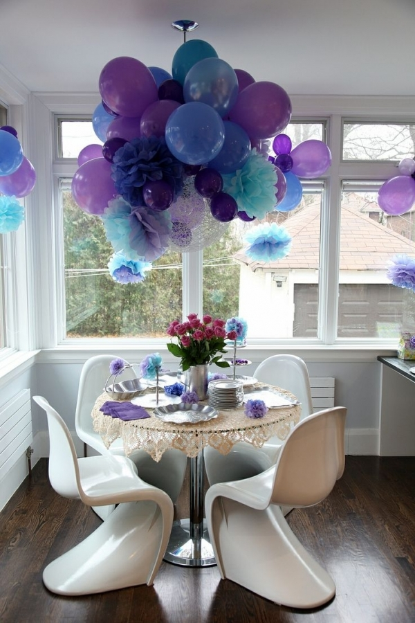 Huge balloon bouquet eye catching party decorations