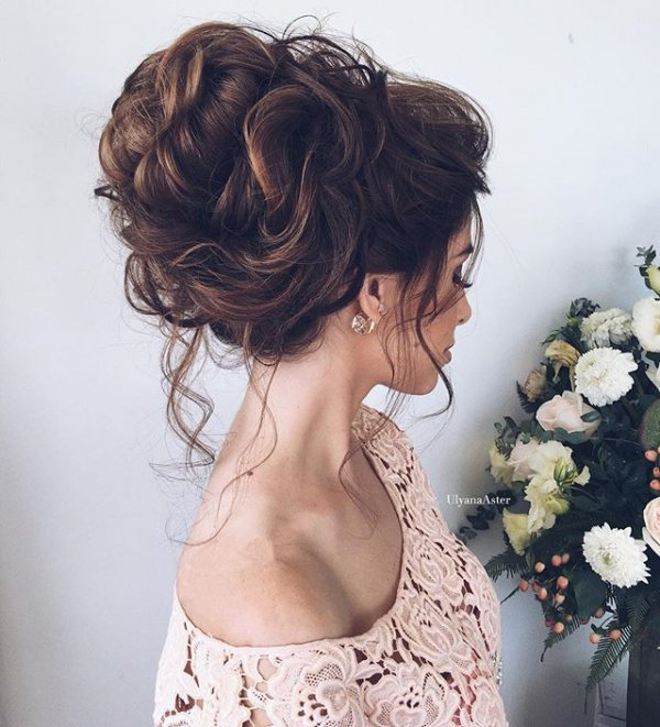 clothing, hair, hairstyle, woman, ringlet,