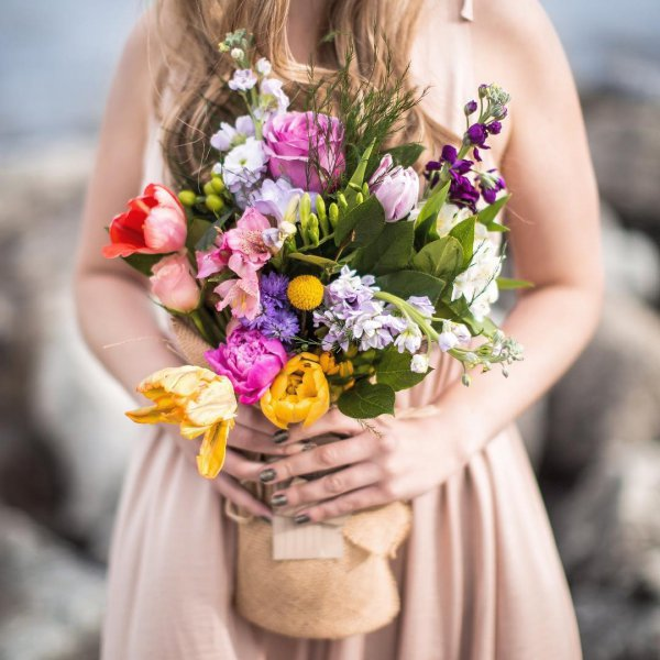 flower bouquet, woman, photograph, flower, flower arranging,