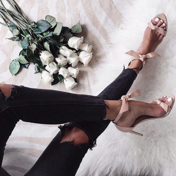 clothing, footwear, leg, dress, fashion accessory,