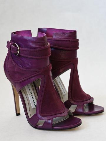 footwear,pink,purple,violet,maroon,