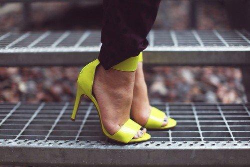 color,footwear,yellow,shoe,leg,