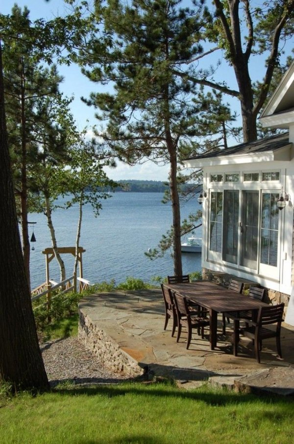 Dining Outside Is A Must At A Lakeside House 50 Lakeside