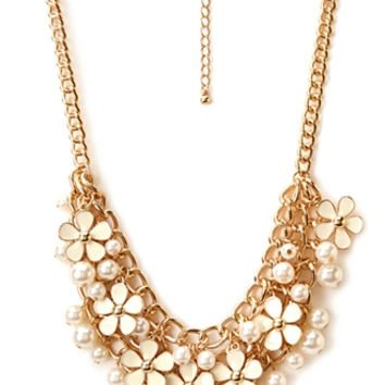 Dreamy Floral Faux Pearl Necklace