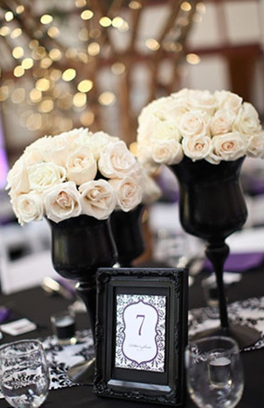 One Of The Classic Winter Wedding Color Schemes Is Combination Black And White Startling Contrast Between These Two Colors Will Definitely Make