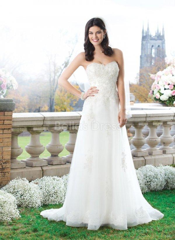 wedding dress,dress,clothing,gown,bridal clothing,