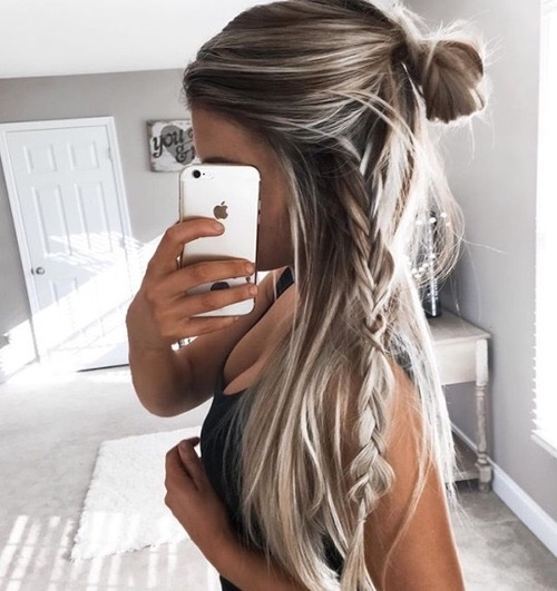 hair,face,hairstyle,long hair,blond,