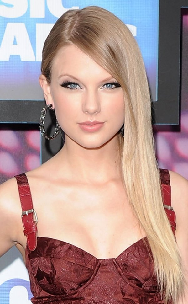 Taylor Swift - 15 Hottest Blonde Celebrities from Yesterday and…