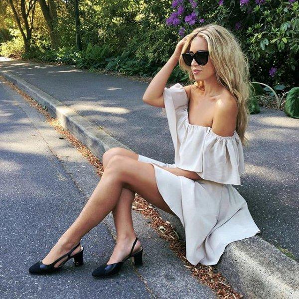clothing, model, beauty, blond, leg,