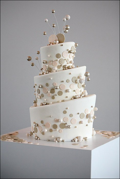 wedding cake,white,buttercream,food,icing,