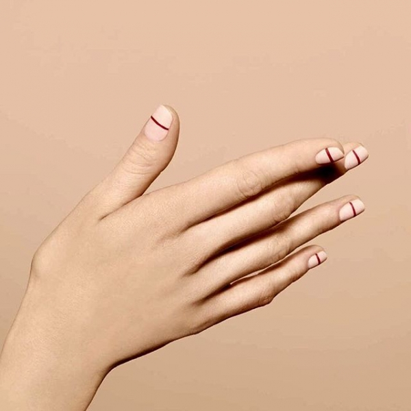 Single Line Nail Art : Horizontal lines amazing pieces of minimalist nail