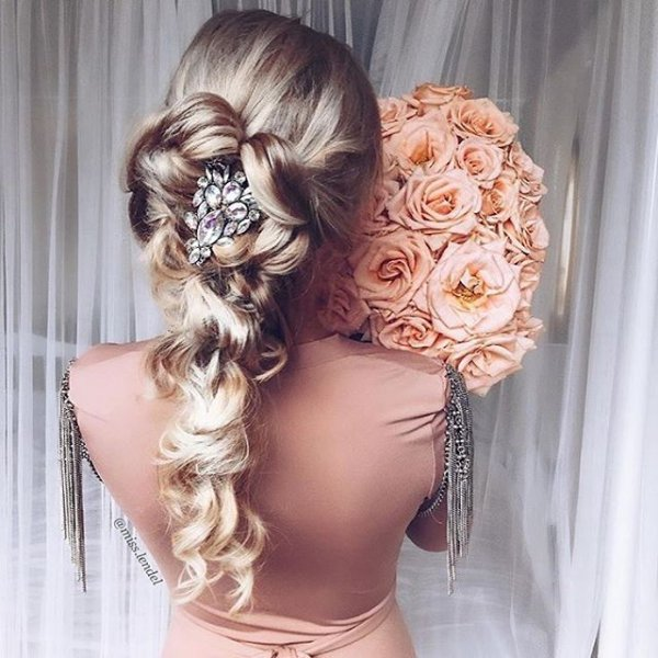 hair, bridal accessory, clothing, hairstyle, head,