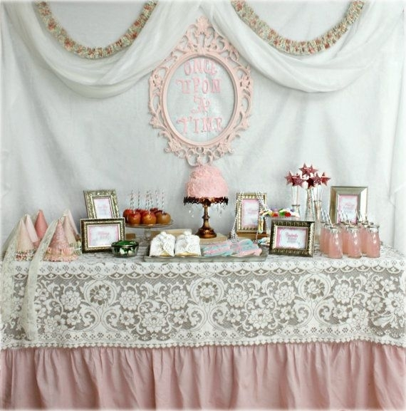 39 princess party 46 eye catching party decorations for for Deco de table princesse