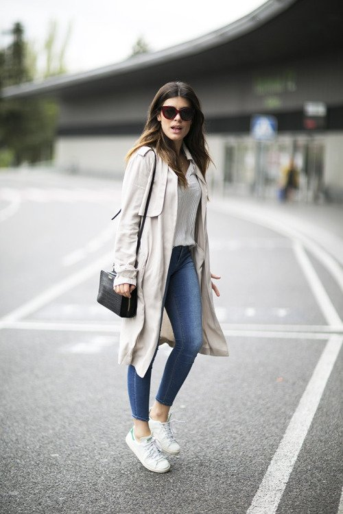 Smart Casuals: Ankle Length Jeans and Long Coat