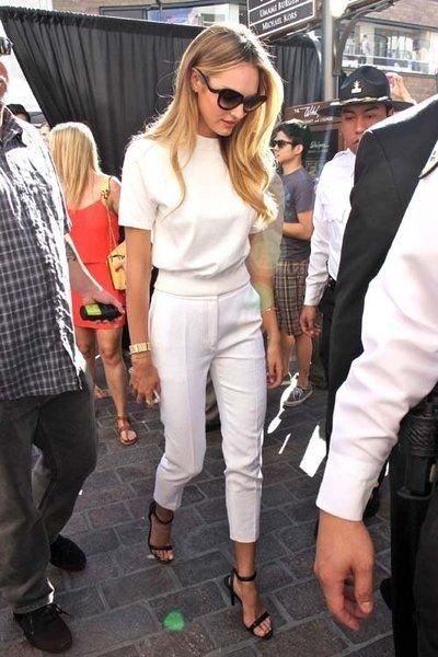 7. All White - 7 Street Style Ways to Rock White Pants This Spring…