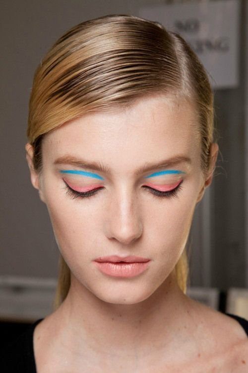 Try Eyeliner Stickers in Pastel Shades