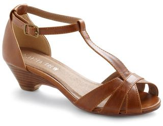 Go about Your Afternoon Heel in Chestnut