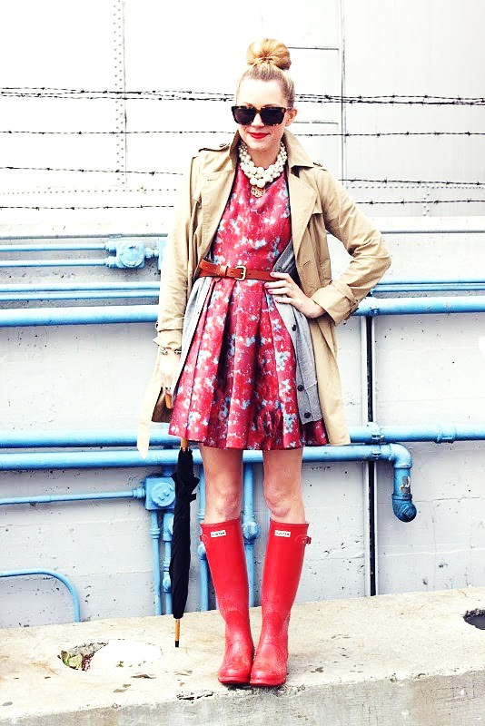 Trench Coats - 9 Fashionable Ways to Wear Rain Boots ... → 👠…