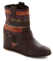 Head to Your Taos Boot