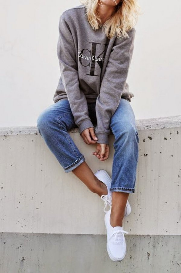 Oh so Slouchy: Sweatshirt and Jeans