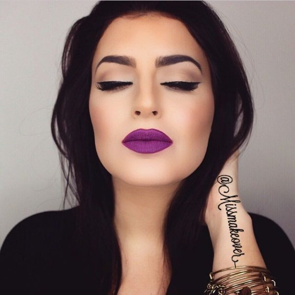 face,eyebrow,lip,hair,cheek,