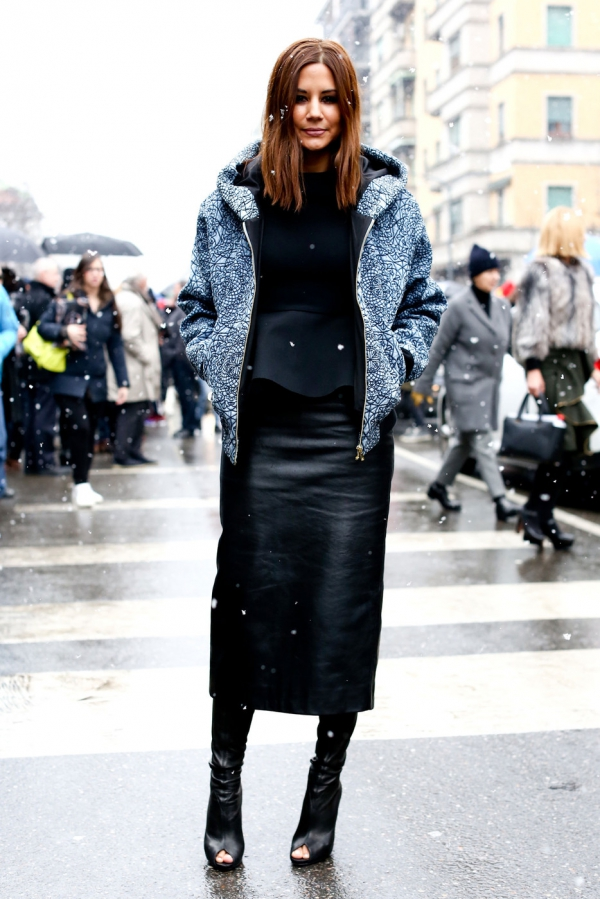 Leather… - 7 Ways Streetstyle Women Rock Pencil Skirts and You Can…