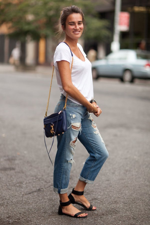 Jeans And A Tee 11 Street Style Ways To Wear Boyfriend
