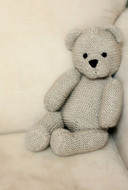 Knitted Teddy Bear Pattern Free : 33 Adorable Teddy Bears for Your Child to Love ... Parenting
