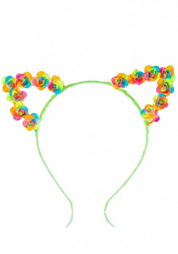 clothing, organ, fashion accessory, body jewelry, ear,