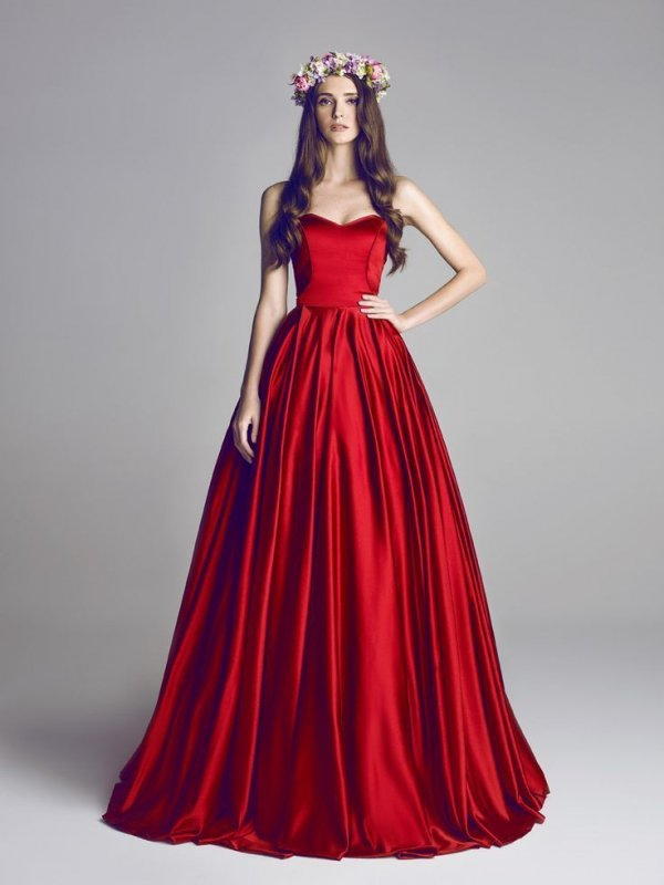 31 of the Most Stunning Red Ball Gowns in the World ... → Fashion