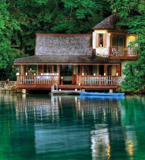 Resultado de imagen de cabaña junto al lago