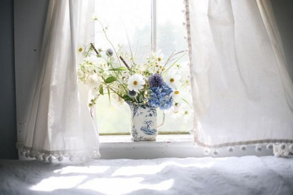 Create a Farmhouse Feel with Flowers and Curtains