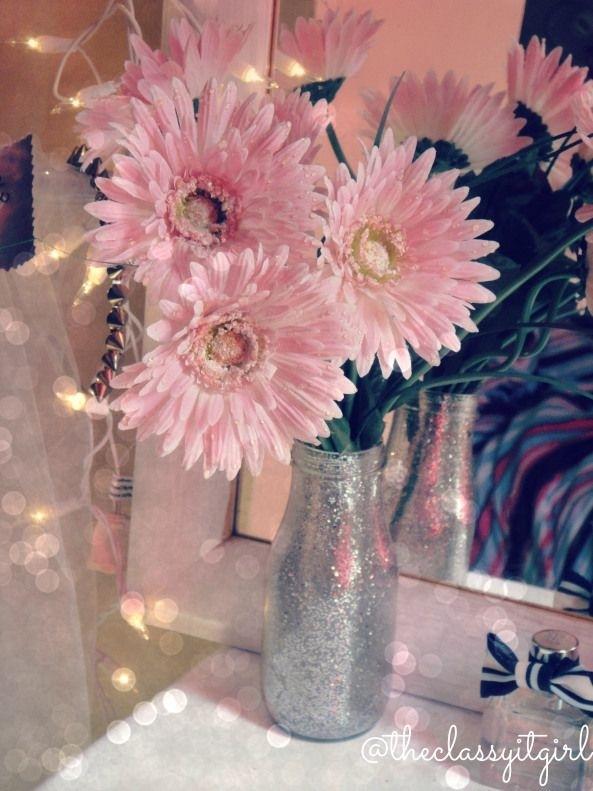 7 Diy Glitter Jar Flower Holder 34 Diy Dorm Room Decor