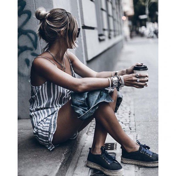 footwear, clothing, human positions, shoe, leg,