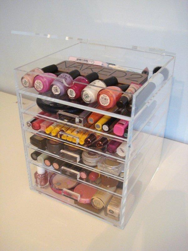 Clear acrylic makeup