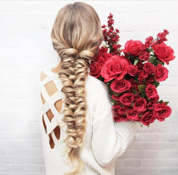 hair,hairstyle,flower,long hair,