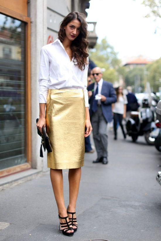 A Metallic Skirt Will Make You Look like an Absolute Fashionista!