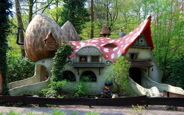 Efteling netherlands pinpointing the world 39 s most exciting for Amusement park netherlands