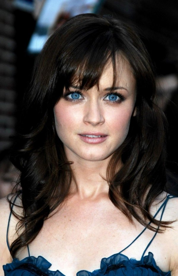 7 Interesting Fun Facts about Alexis Bledel That You Will ...