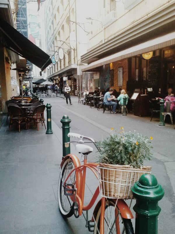 Go Shopping then Have Coffee in Chic Degraves Street, Melbourne, Australia