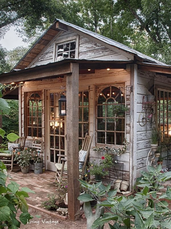 outdoor structure,gazebo,shed,cottage,backyard,