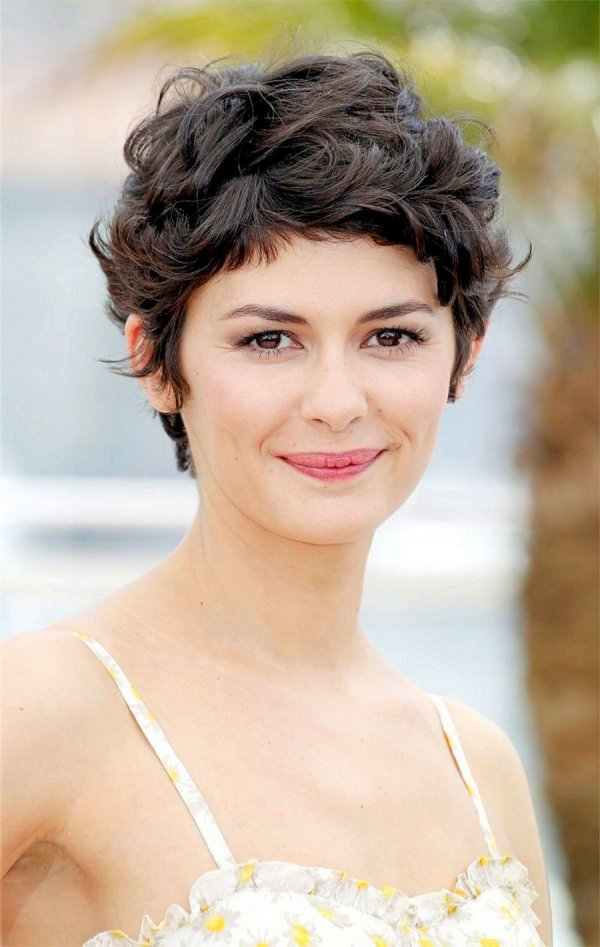 Curly Pixie 28 Super Chic Curly Hairstyles For Short