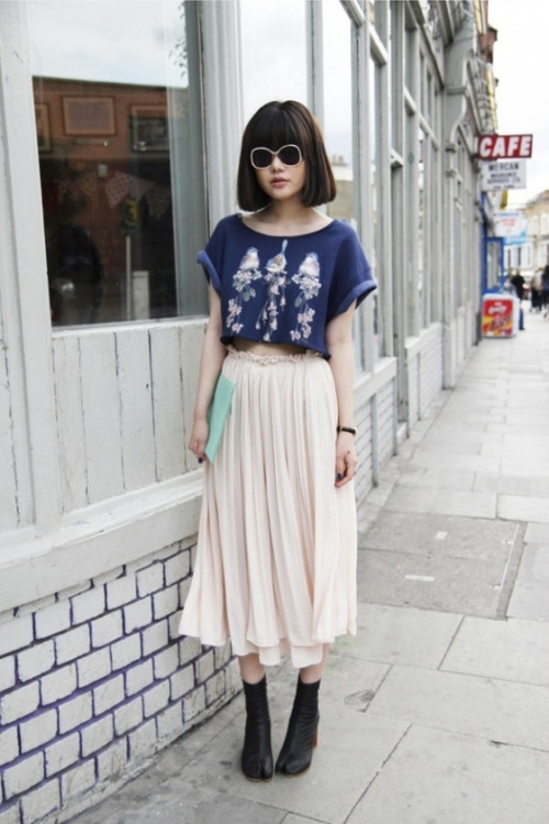 7 Crop Top And Blush Skirt Fascinating Street Style Photos From