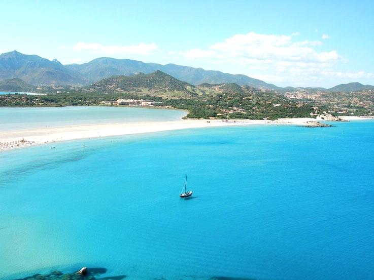 Baia chia sardinia 20 top beaches in europe travel for Chia sardegna