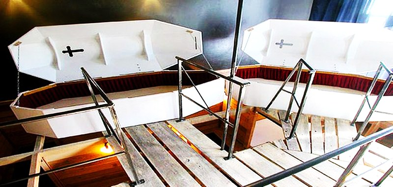 gruft propeller island city lodge berlin 10 really quirky. Black Bedroom Furniture Sets. Home Design Ideas