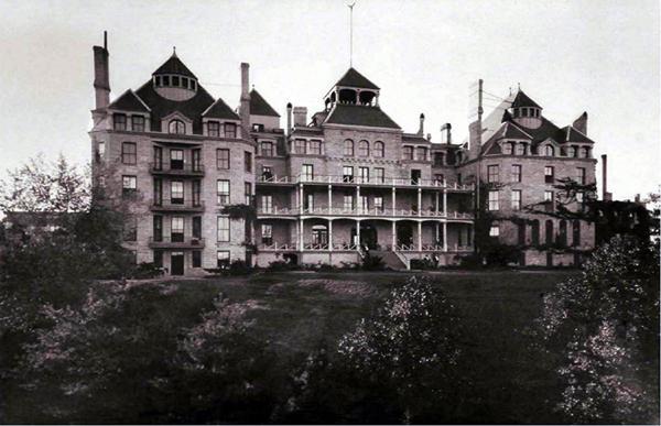 Crescent Hotel – Eureka Springs, AR