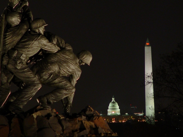 Tour the Monuments at Night