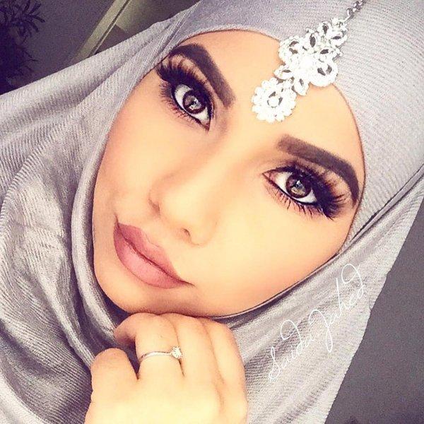 Niqab arabic girl is very horny 8
