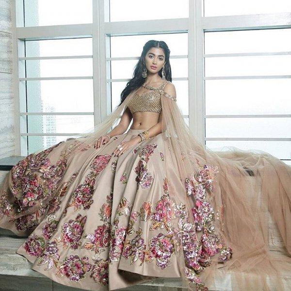 gown, dress, fashion model, fashion, formal wear,