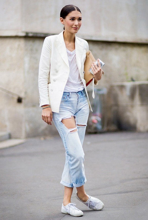 Style Maven:Distressed Jeans, White Tee